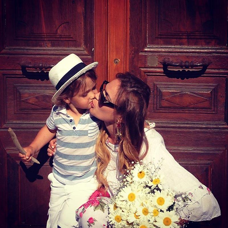 Водонаева отдала сына на месяц бывшему мужу