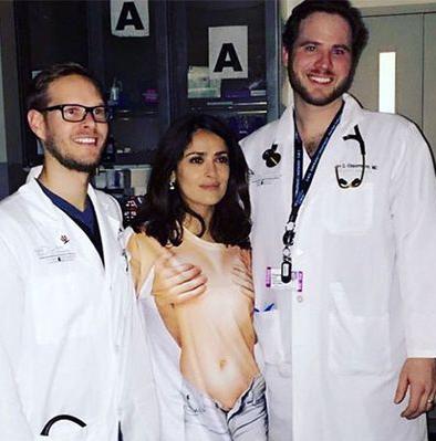 Сальма Хаек получила травму на съемочной площадке