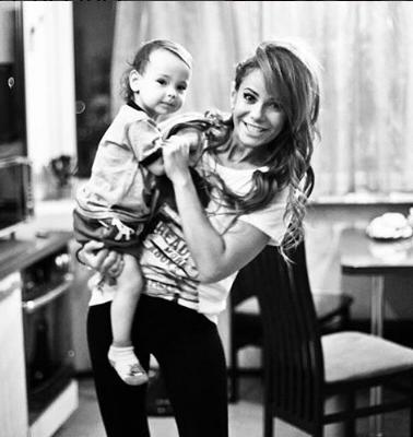 Айза Анохина хочет второго ребенка