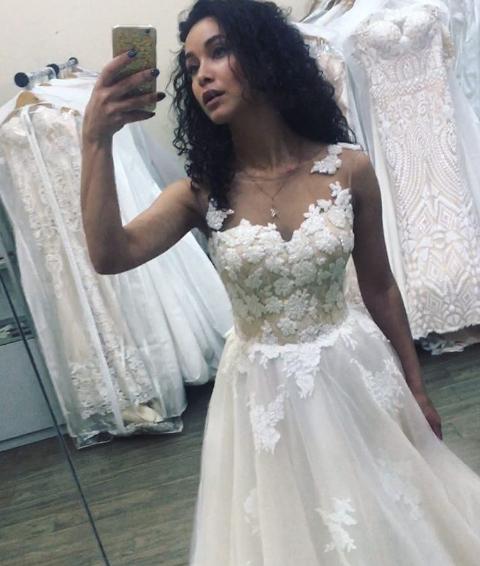Анетти из «Холостяк 6» примерила свадебное платье