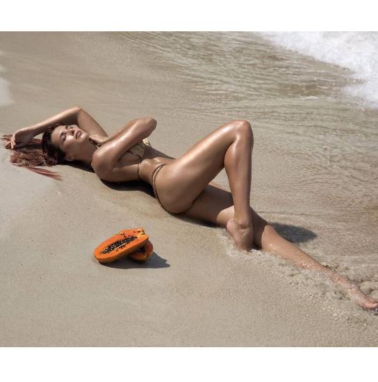 Экс-«ВИА Гра» показала роскошное тело в бикини