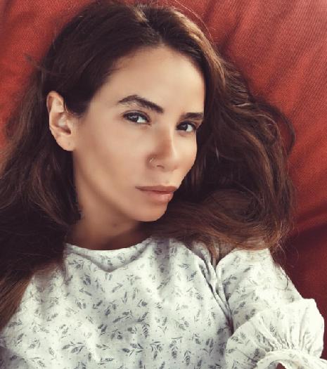 Айзу Долматову раскритиковали за неухоженные брови