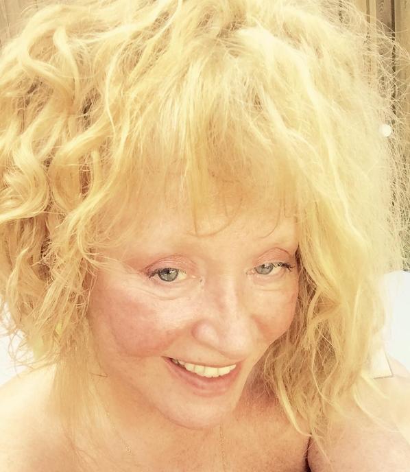 Алла Пугачева ужаснула фото без макияжа