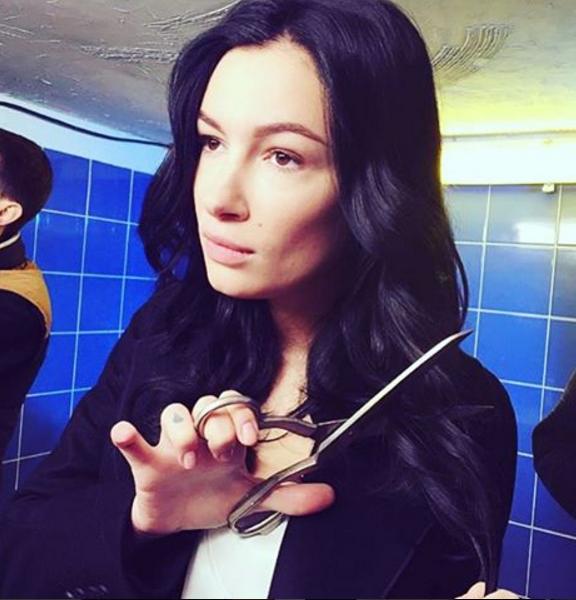 Анастасия Приходько обрезала волосы ради клипа