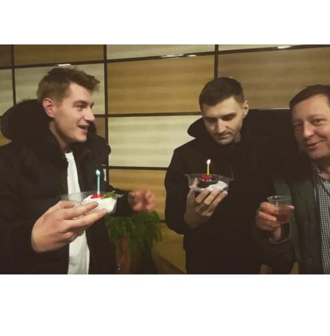 Алексей Воробьев праздновал День Рождения в аэропорту