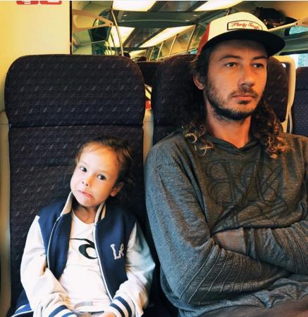 Айзу Анохину бесят муж и сын