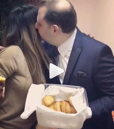Ани Лорак застали целующейся с неизвестным мужчиной