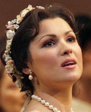 Анна Нетребко госпитализирована с гриппом