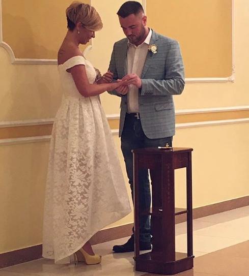 Звезда «Х Фактора» вышла замуж за бывшего мужа