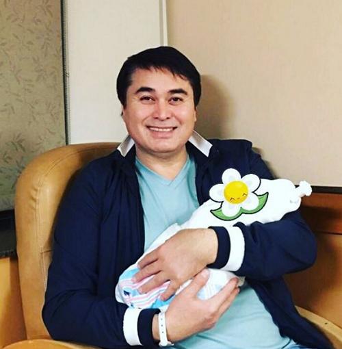 У Армана Давлетьярова родился ребенок
