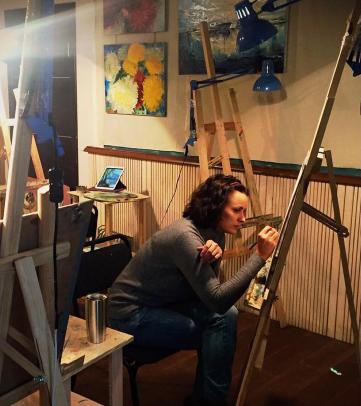 Лиза Глинская занялась арт-терапией
