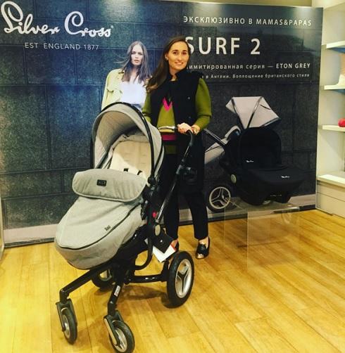 Анастасия Винокур выбирает детскую коляску