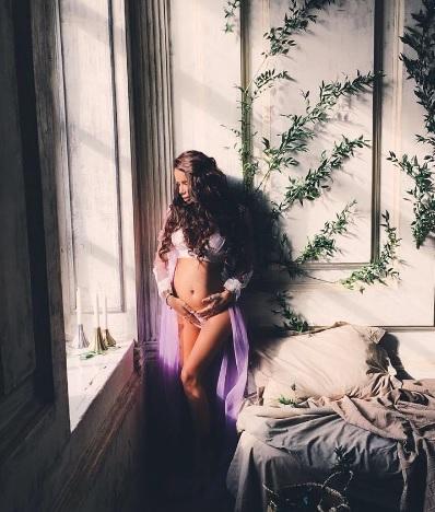 Айза Долматова беременна